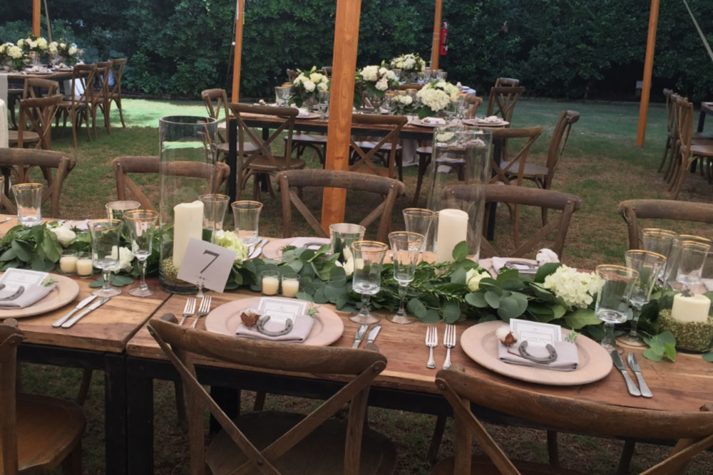 floral table settings for weddings